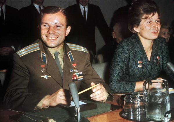 Yuri Gagarin und Valentina Tereschkowa