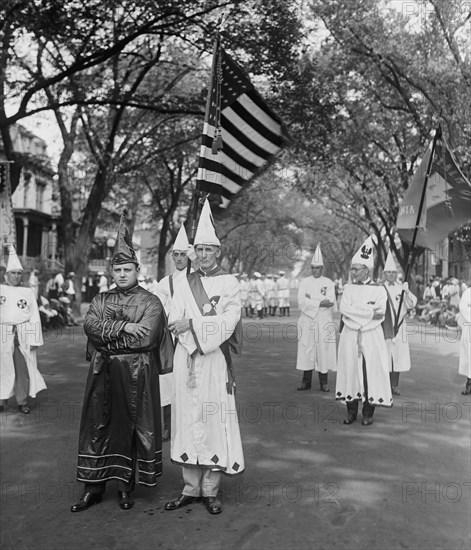 Sam D. Rich & L.A. Mueller, Ku Klux Klan Parade, Washington DC, USA, National Photo Company, August 1925