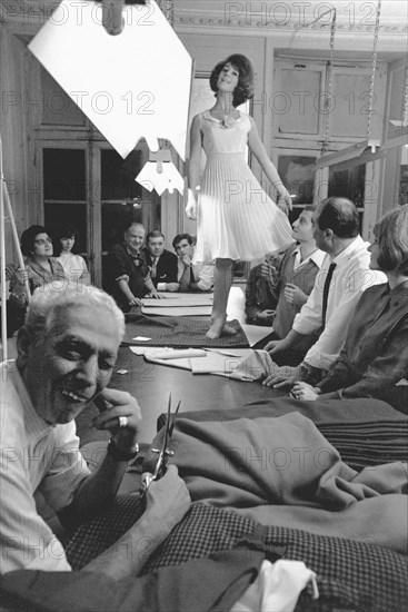Sheila ouvre sa maison de couture, Paris