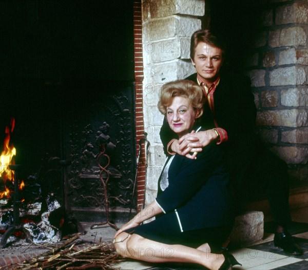 Claude François et sa mère, 1966