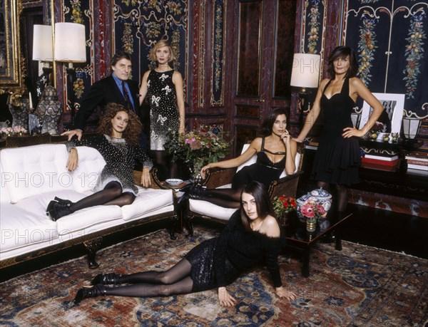 Emanuel Ungaro avec Marisa Berenson, Alegra Hicks, Christine Orban, Maryam Sachs et Amira Casar
