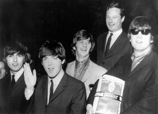 Les Beatles avec Brian Epstein