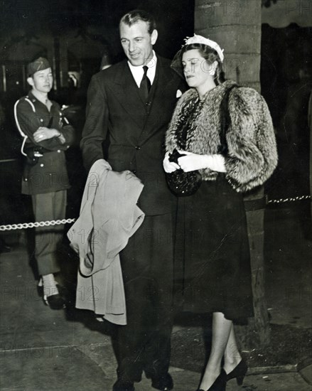 GARY COOPER arrives for 1943 Oscar Awards with wife Veronica Balfe