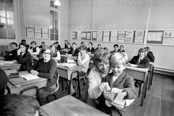 Tommy Steele, Bacon's School en Angleterre